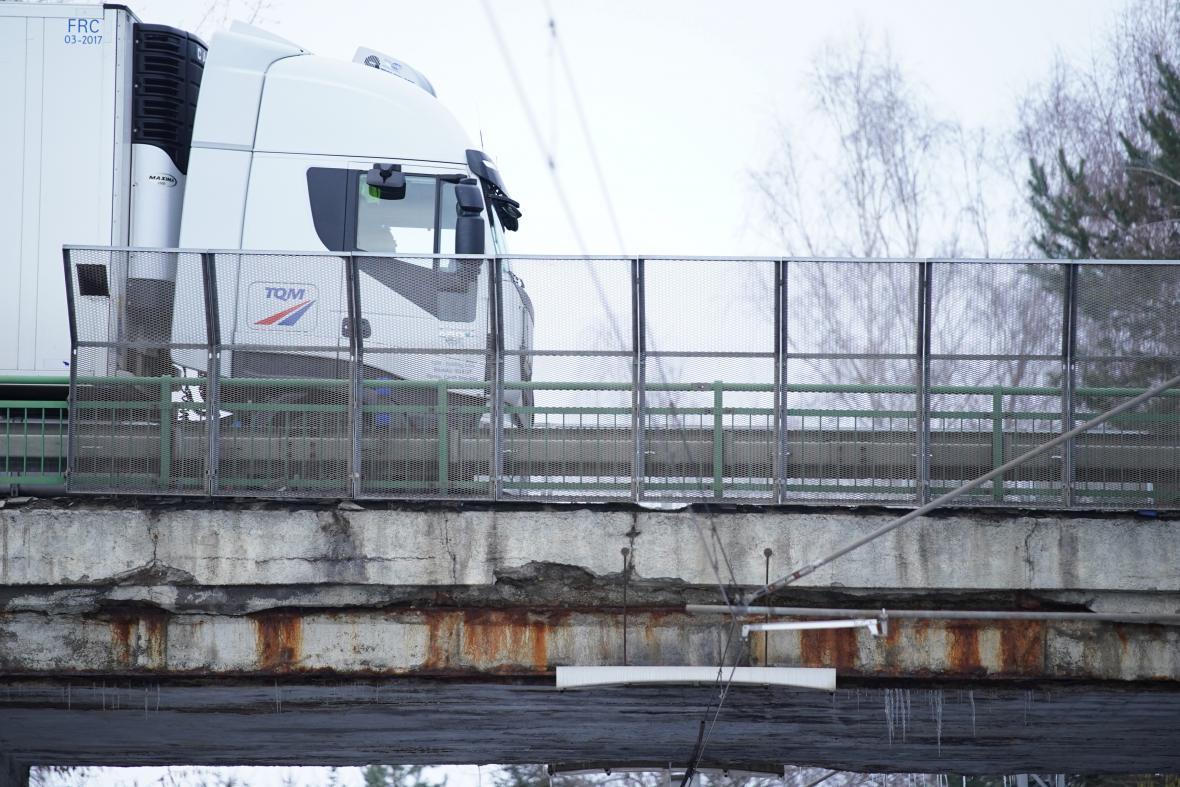 Most u Netřebic v havarijním stavu