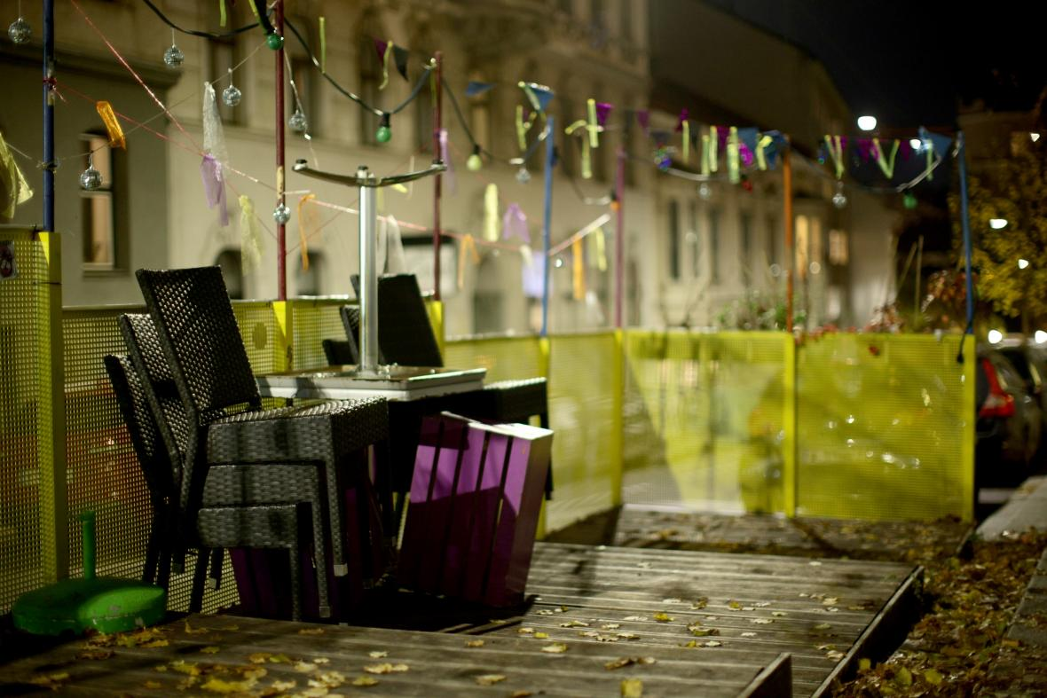 Rakouské restaurace jsou kvůli celostátní karanténě uzavřené
