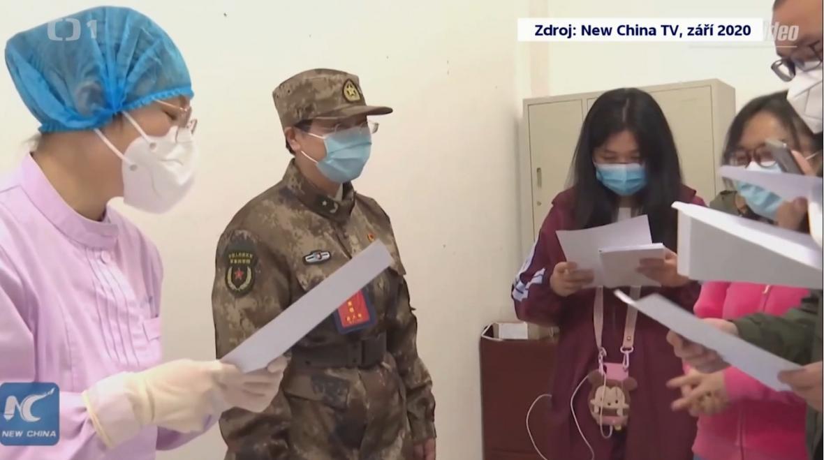 Čínská generálka a epidemioložka Čchen Wejová dostala za boj proti koronaviru titul