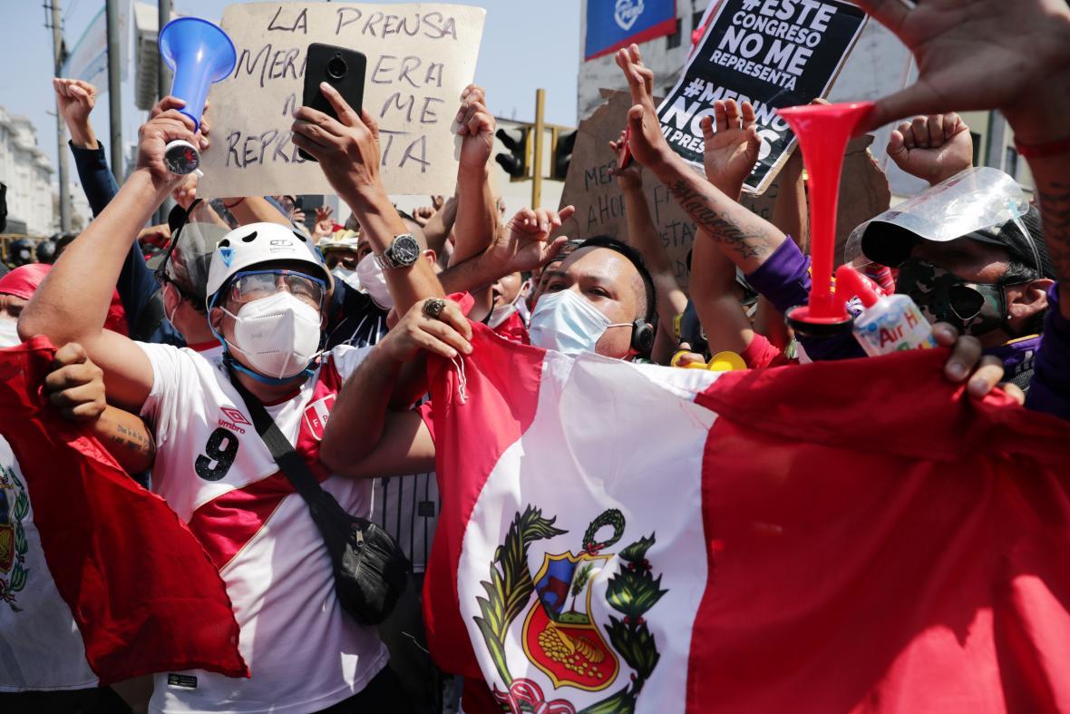 Peruánci reagují na ohlášenou rezignaci prezidenta