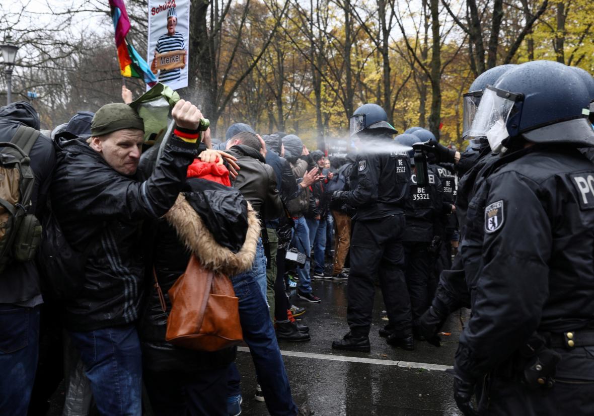 Zásah police proti demonstratům v Berlíně