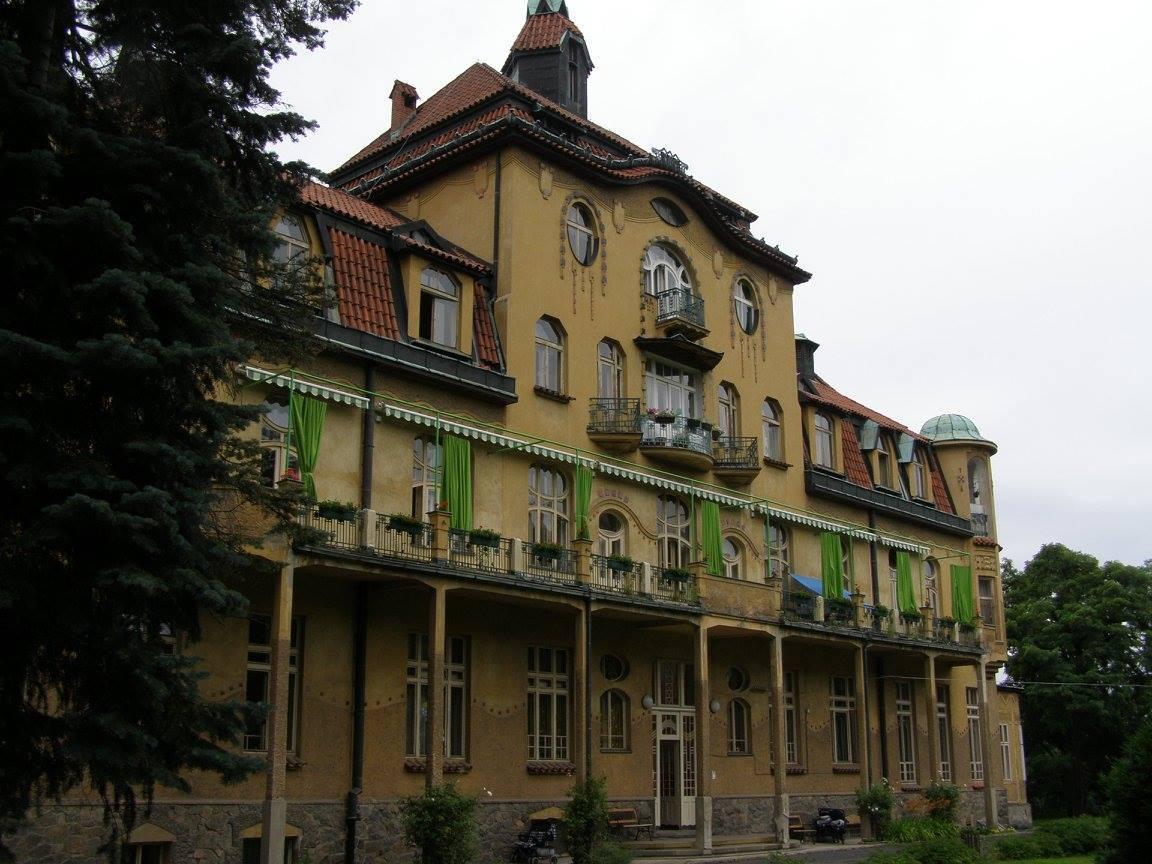 Kojenecský ústav v pražské Krči