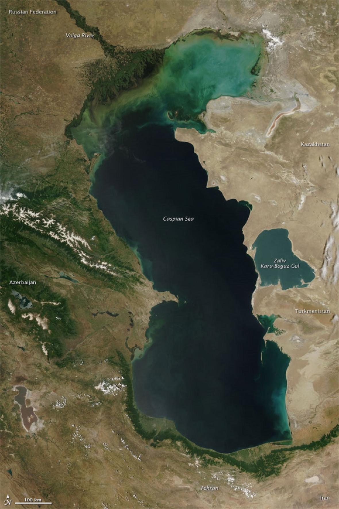 Kaspické moře ze satelitu