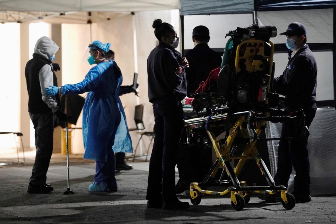 Příjem pacientů v nemocnici v Huntington Park