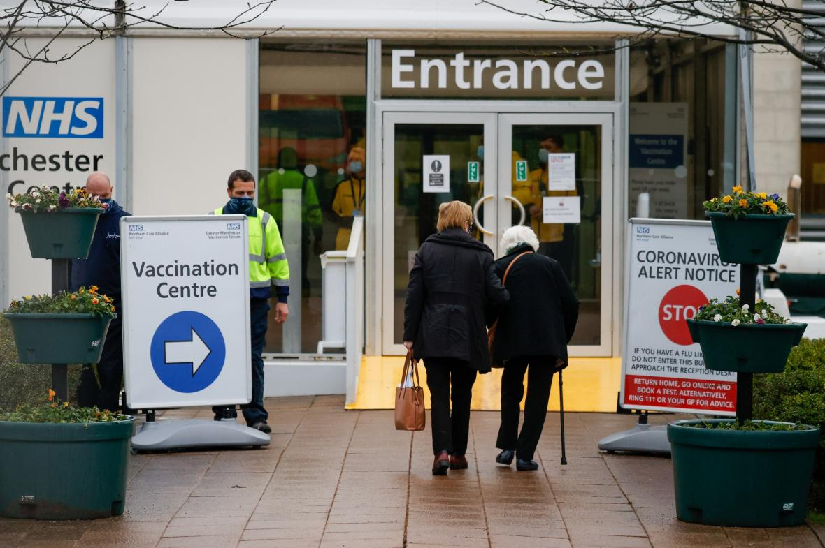 Očkovací centrum v Manchesteru