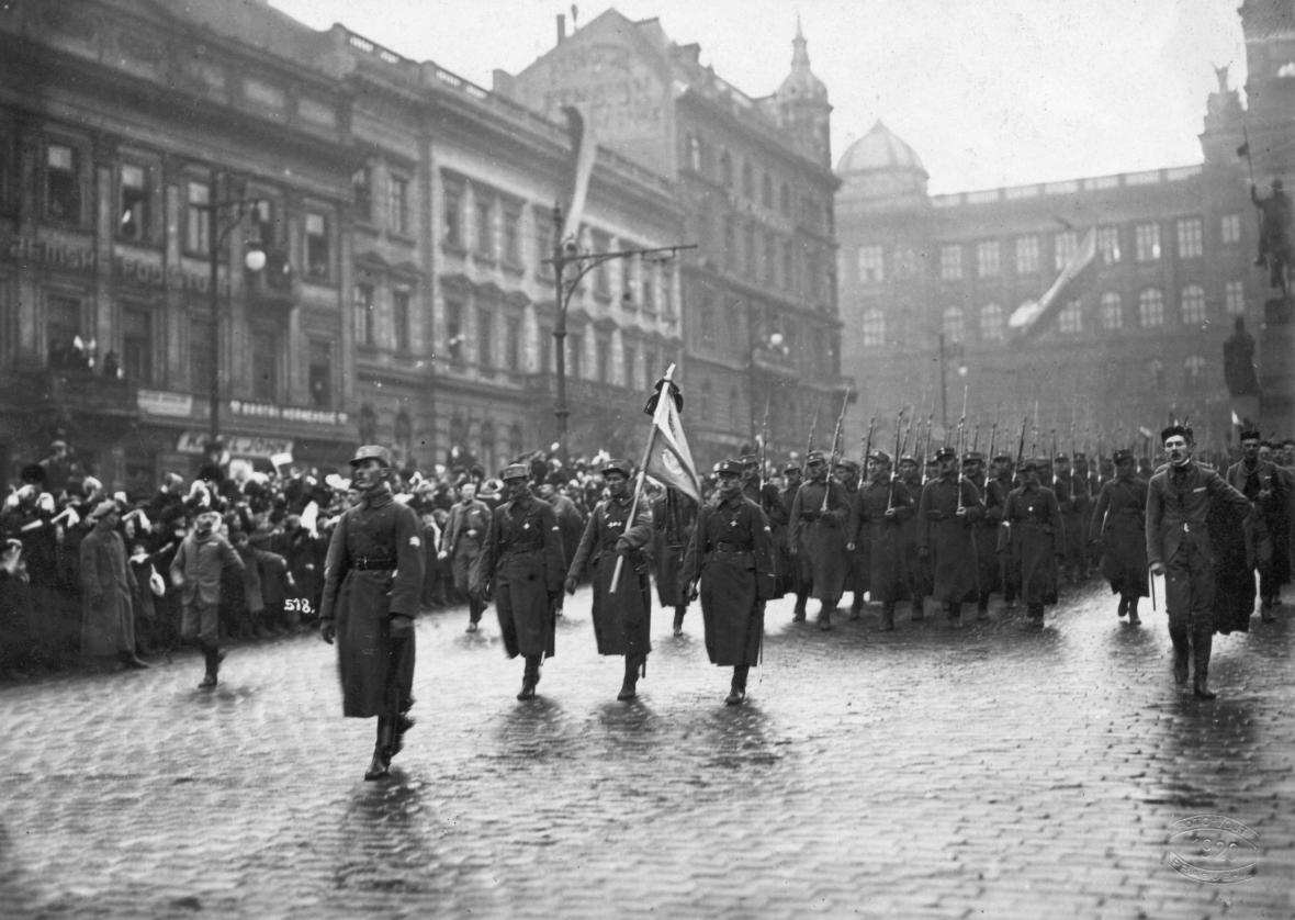 Českoslovenští legionáři v roce 1920 na Václavském náměstí
