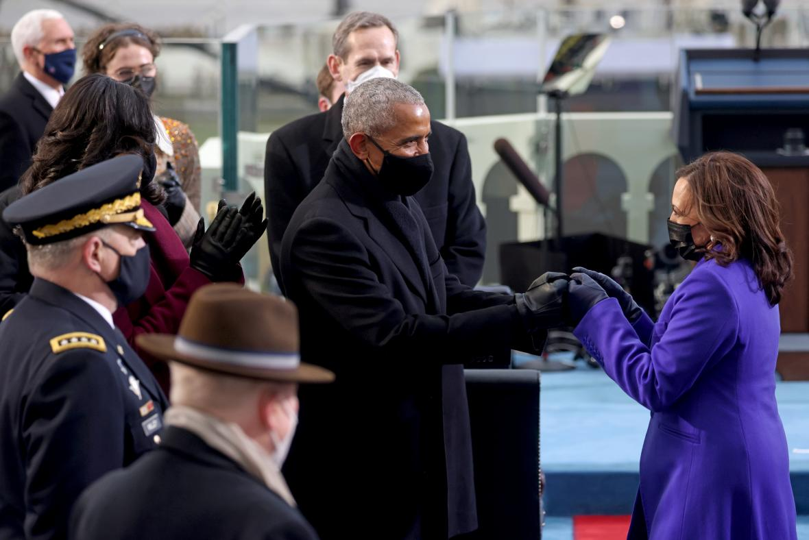 Viceprezidentce Harrisové poblahopřál i bývalý prezident Obama