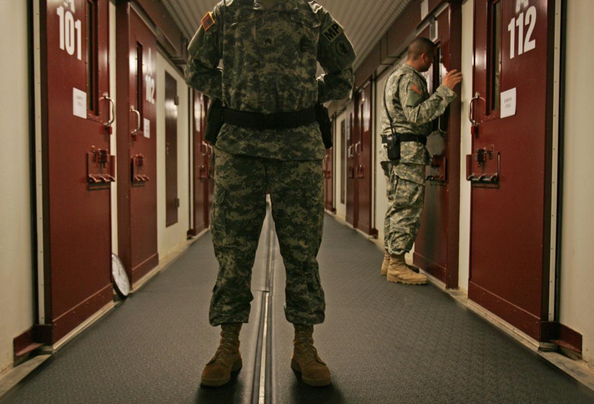 Prohlídka cel v Guantánamu