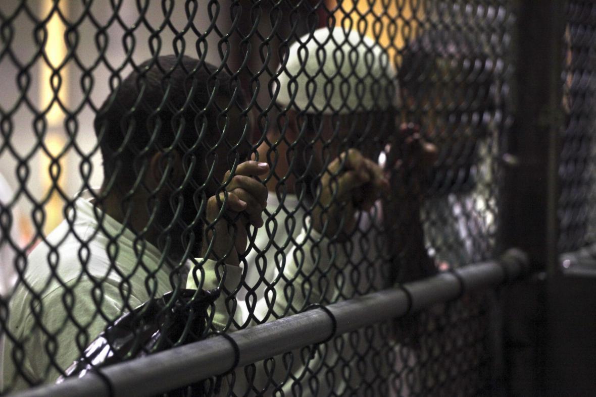 Vězni v Guantánamu