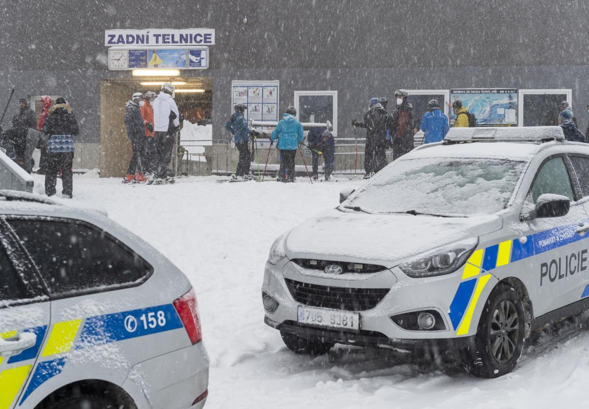 Policie ve skiareálu v Telnici