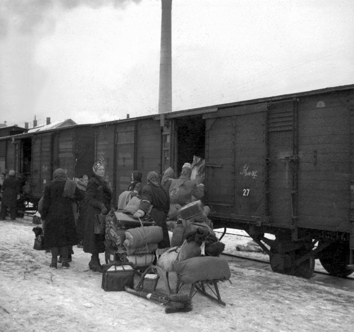 První transport z Mariánských Lázní do americké okupační zóny Německa 25. ledna 1946
