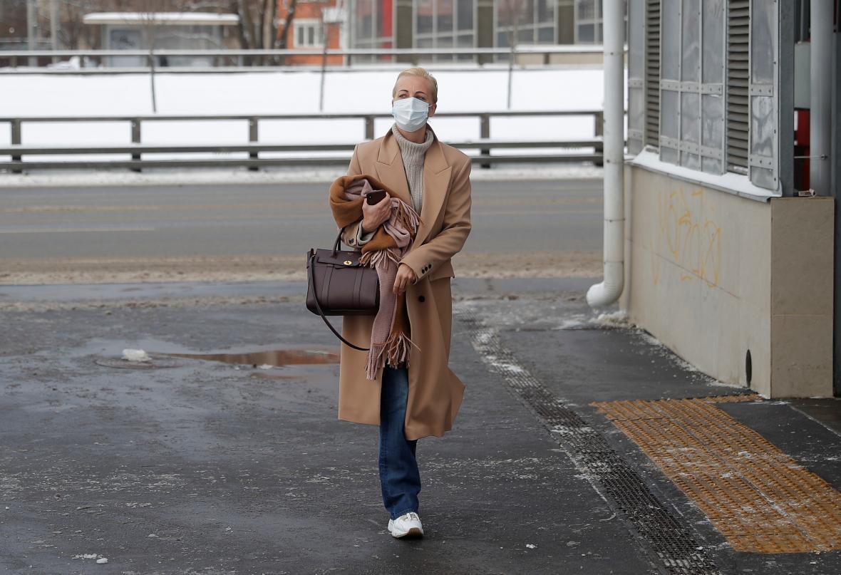 Julia Navalná přichází před soud
