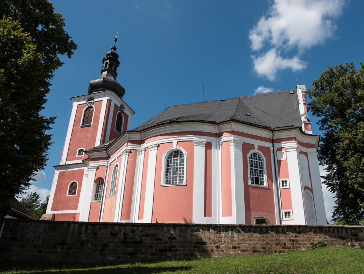 Kostel svaté Máří Magdalény v Božanově na Broumovsku