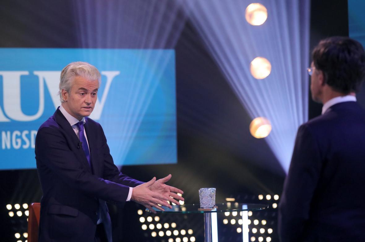 Geert Wilders a Mark Rutte během předvolební debaty