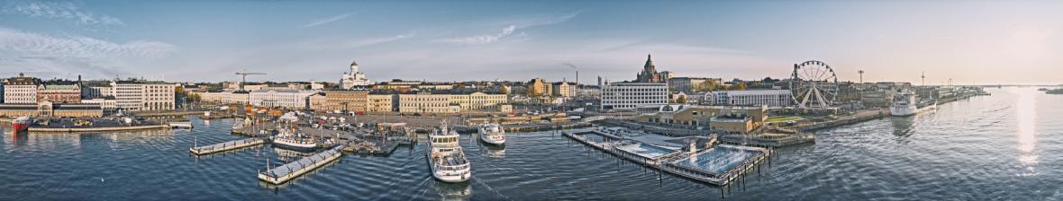 Panorama Helsinek s náměstím Kauppatori uprostřed