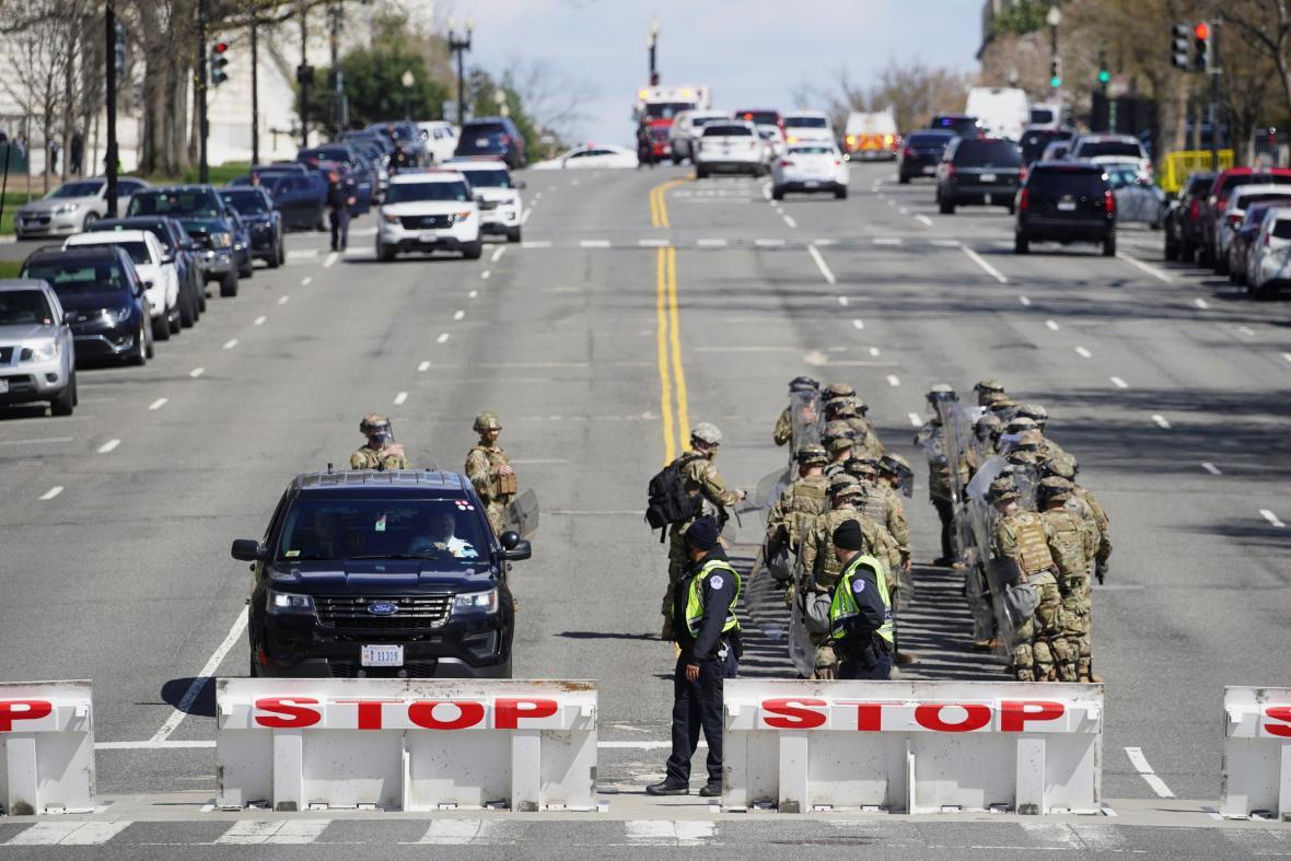 Ve Washingtonu jsou kvůli útoku zablokované silnice
