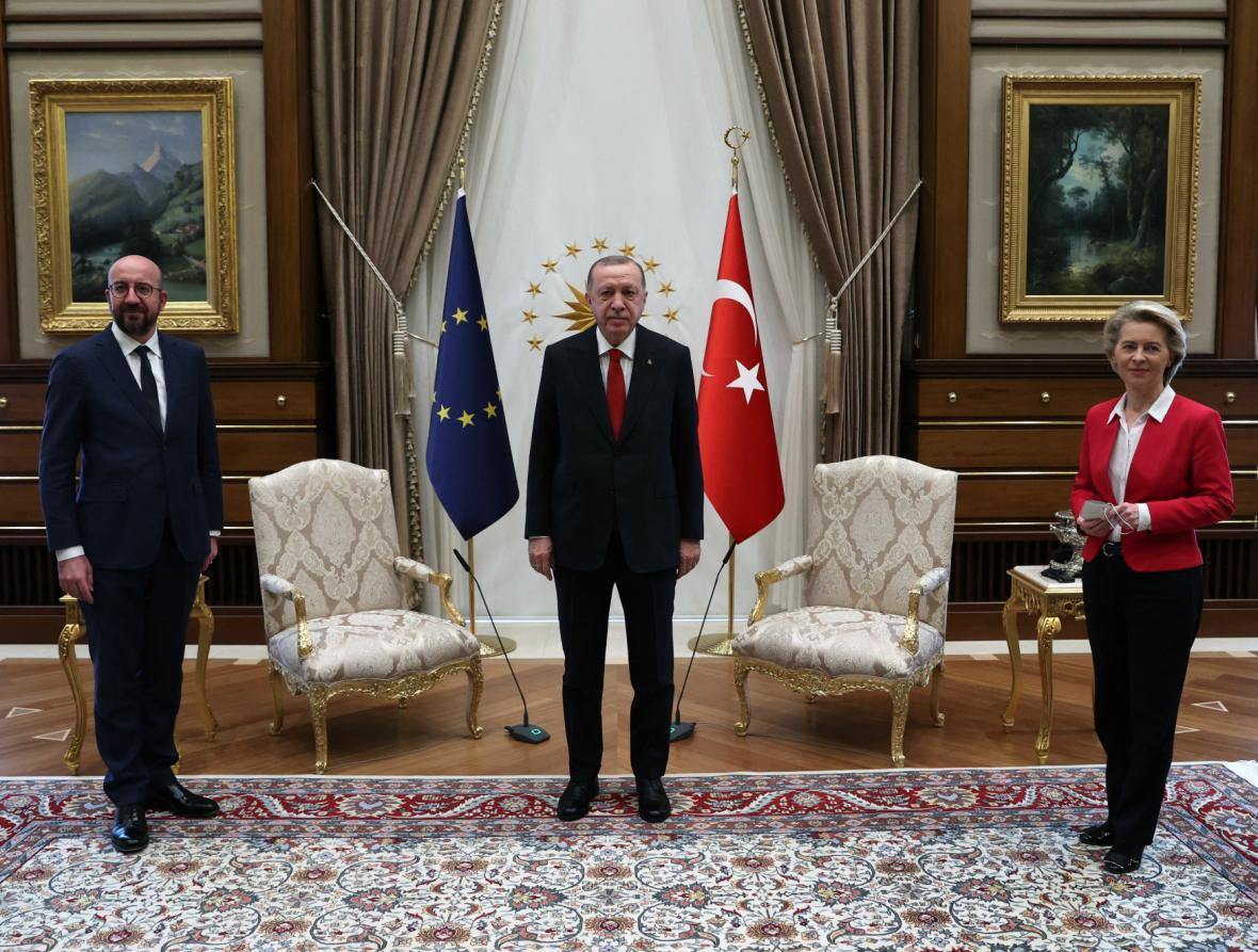 Lídři EU při setkání s tureckým prezidentem Recepem Tayyipem Erdoganem