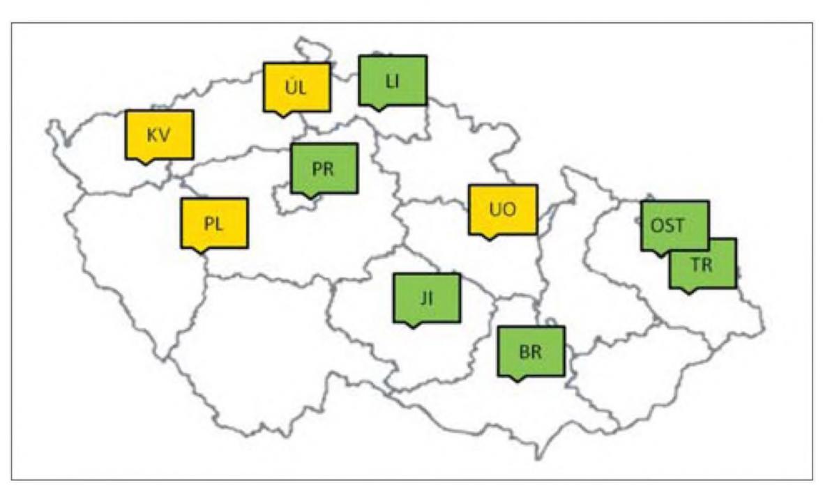 Síť stanic sledujících pylové alergeny, žlutě znázorněny stanice ve správě Zdravotního ústavu se sídlem v Ústí nad Labem