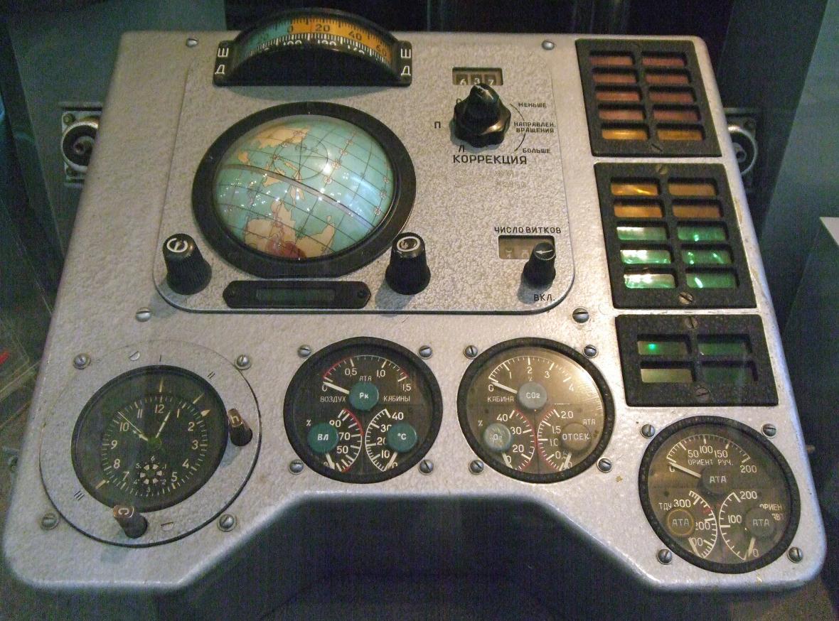 Řídící panel kosmické lodi Vostok
