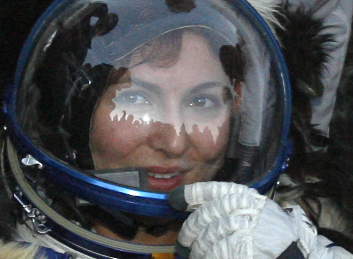 Ánuše Ansariová, první platící civilistka ve vesmíru