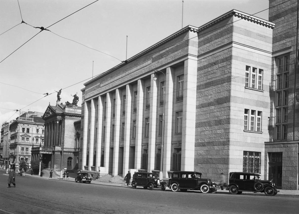 Nová pražská peněžní burza byla slavnostně otevřena 5.dubna 1938
