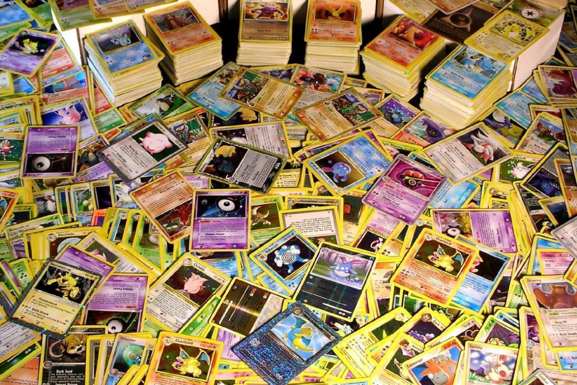 Firma Pokémon vydává novou sadu kartiček přibližně jednou za čtvrt roku