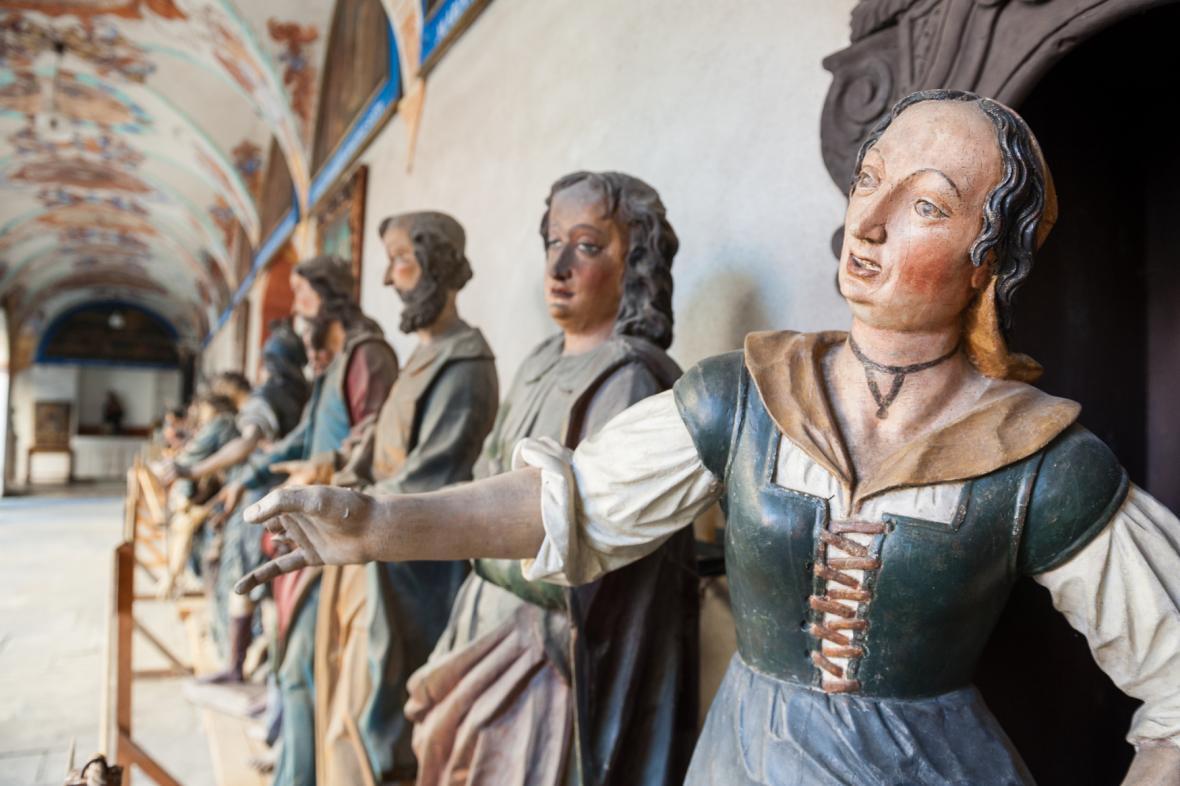 Do kaplí se vrátí i sochy