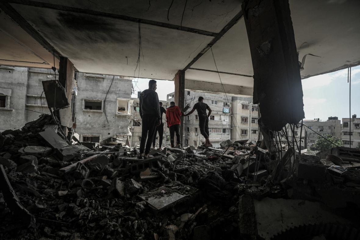 Trosky budov po náletech v Gaze