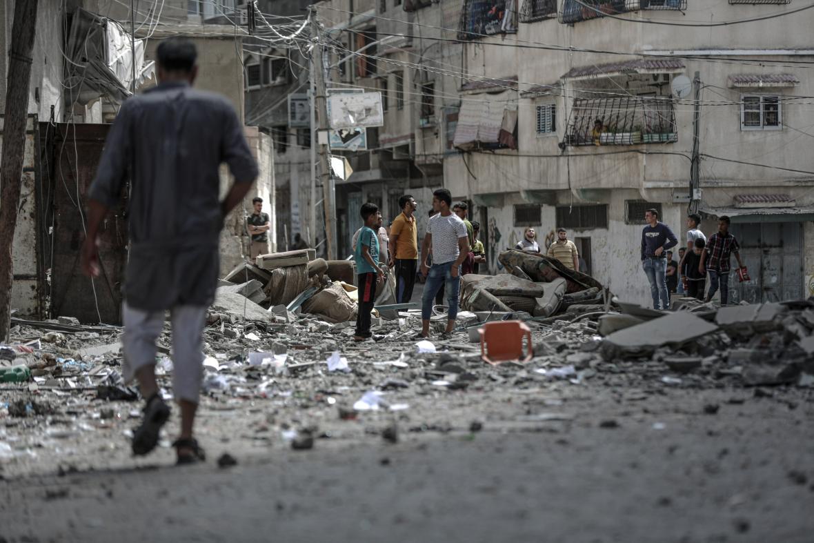 Poškozené budovy po náletech ve městě Gaza