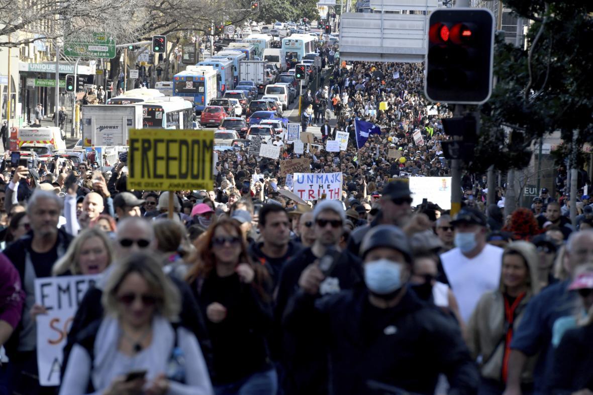 Protesty v Sydney proti opatřením