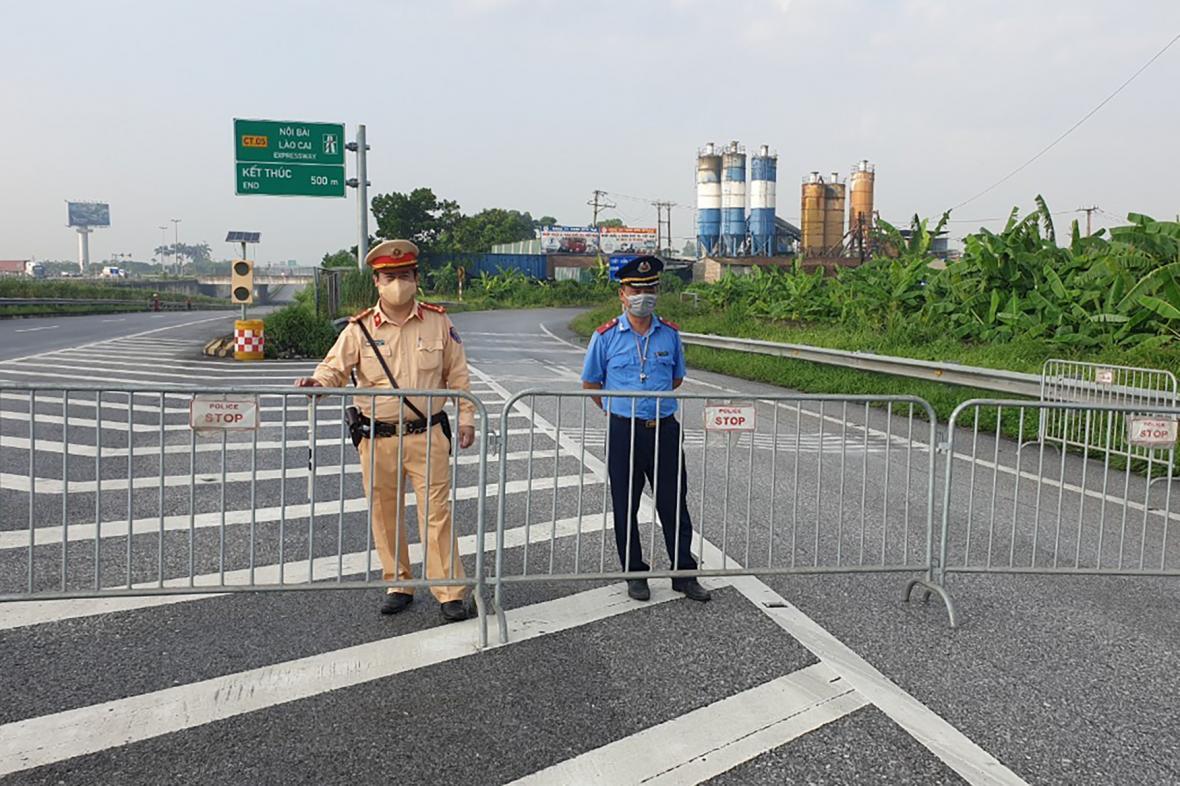 Policie hlídá uzavření Hanoje