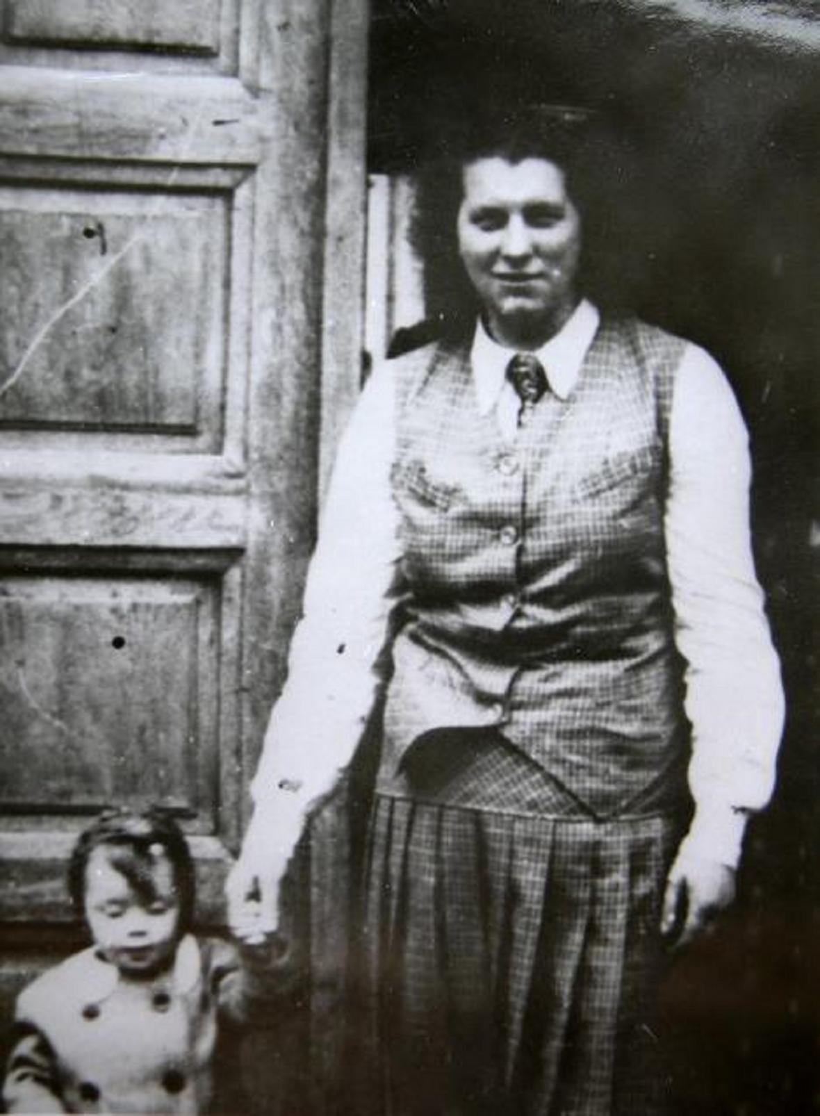 Sekretářka NSDAP Benešov Gisela Sochůrková