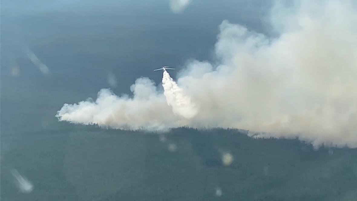 Hašení lesních požárů v oblasti Jakutska