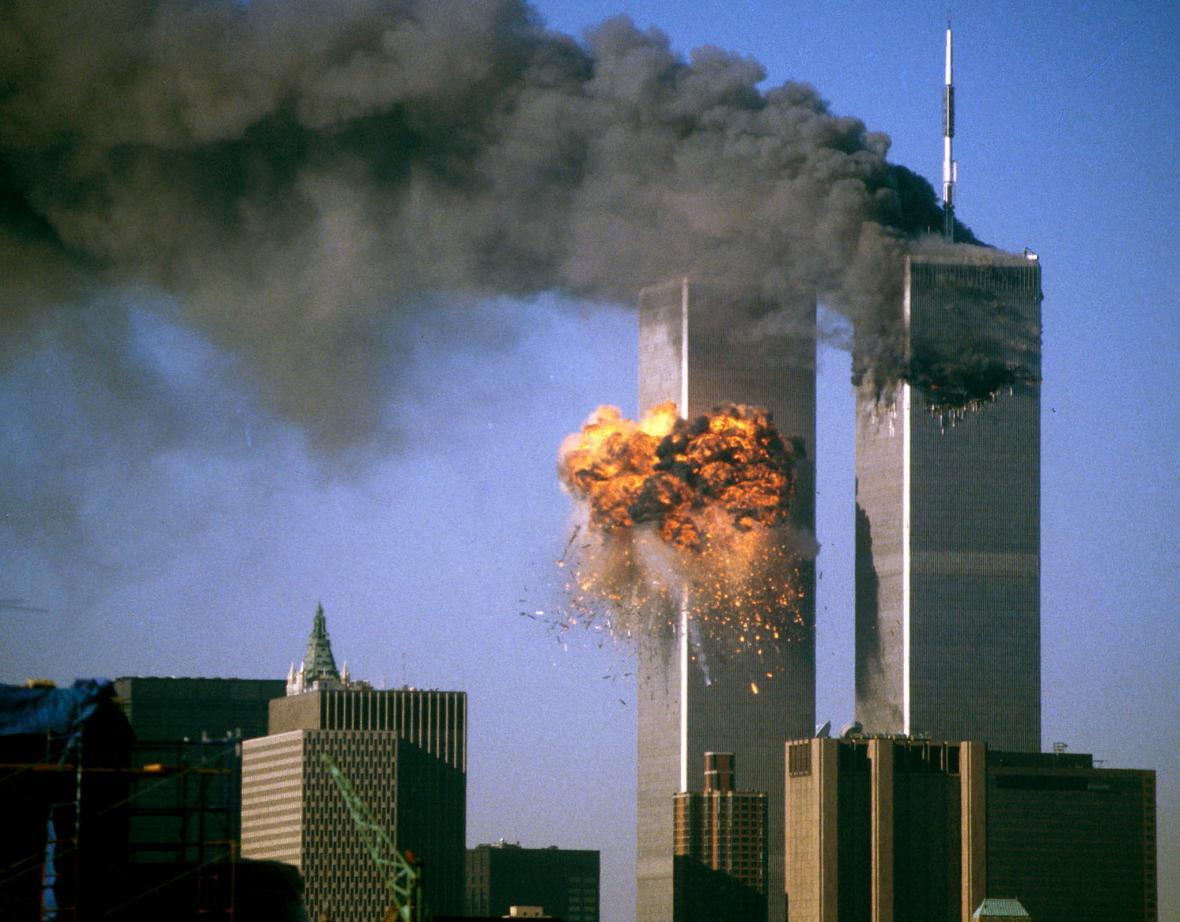Newyorské World Trade Center po nárazu unesených letadel 11. září 2001