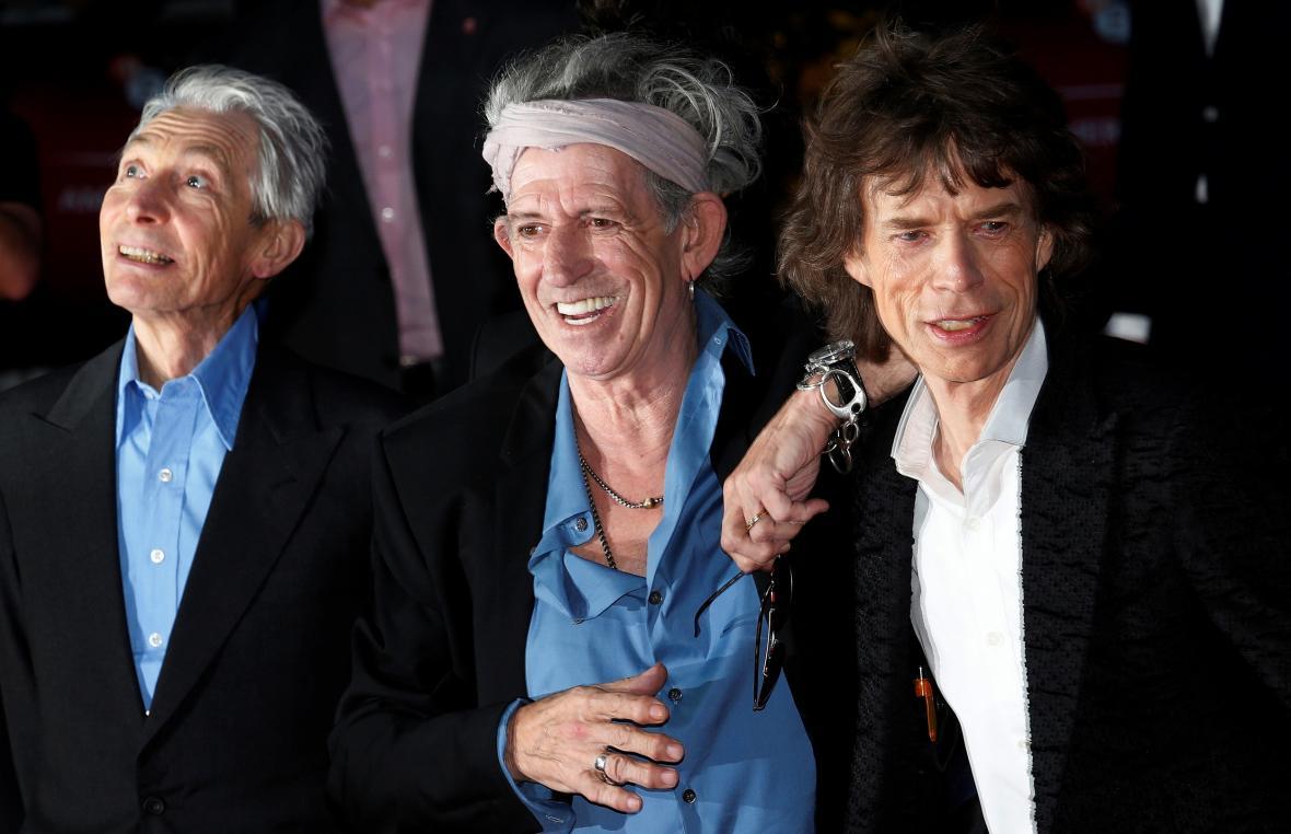 Charlie Watts s Keithem Richardsem a Mickem Jaggerem na snímku z roku 2012