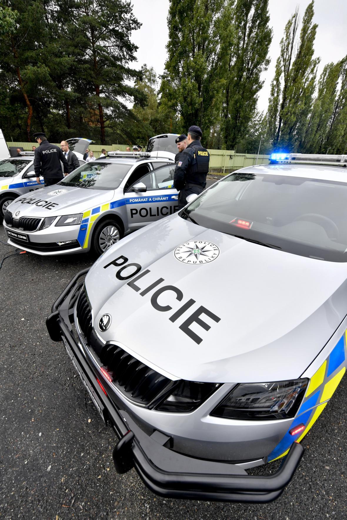 Policejní auta s rámy