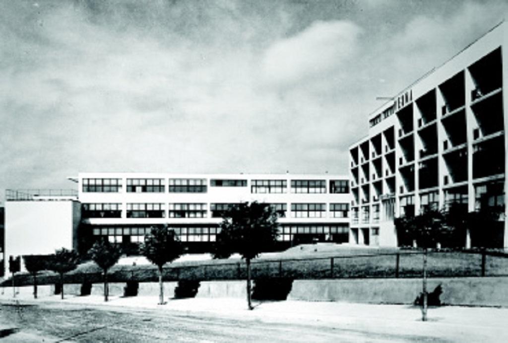 Odborná škola pro ženská povolání Vesna a Domov Elišky Machové (architekti: Bohuslav Fuchs, Josef Polášek, 1929–30)