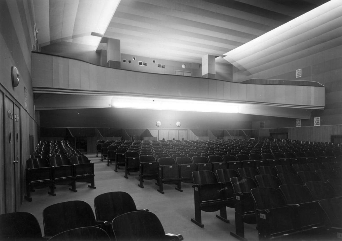 Kino Alfa (architekti: Čestmír Šlapeta, Lubomír Šlapeta, 1938)