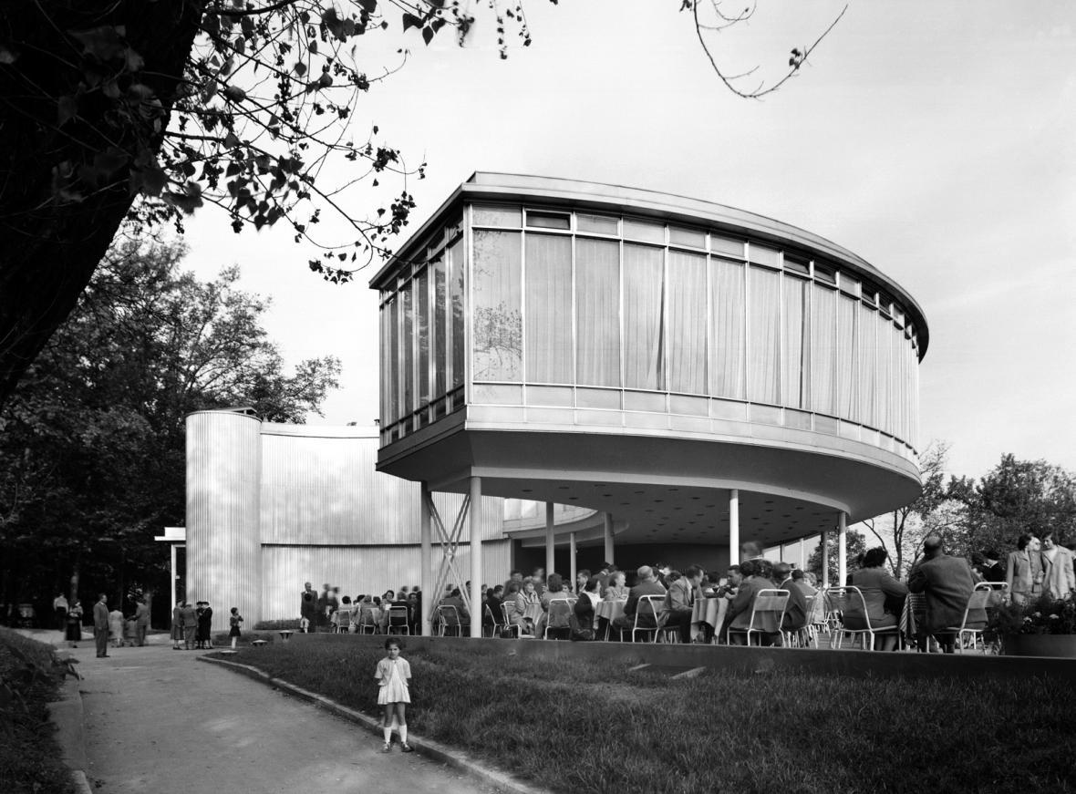 Restaurace z československého pavilonu na světovou výstavu EXPO (architekt: František Cubr, 1958)