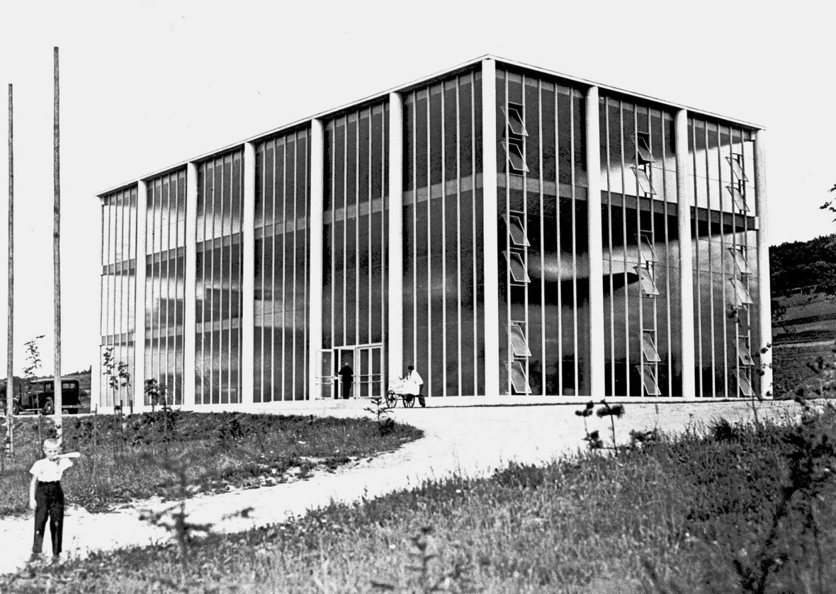 Památník Tomáše Bati (architekt: František Lýdie Gahura, 1933)