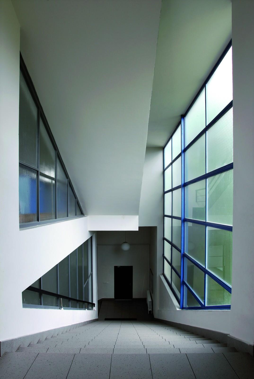 Francouzské reálné gymnázium (architekt: Jan Gillar, 1931–34)