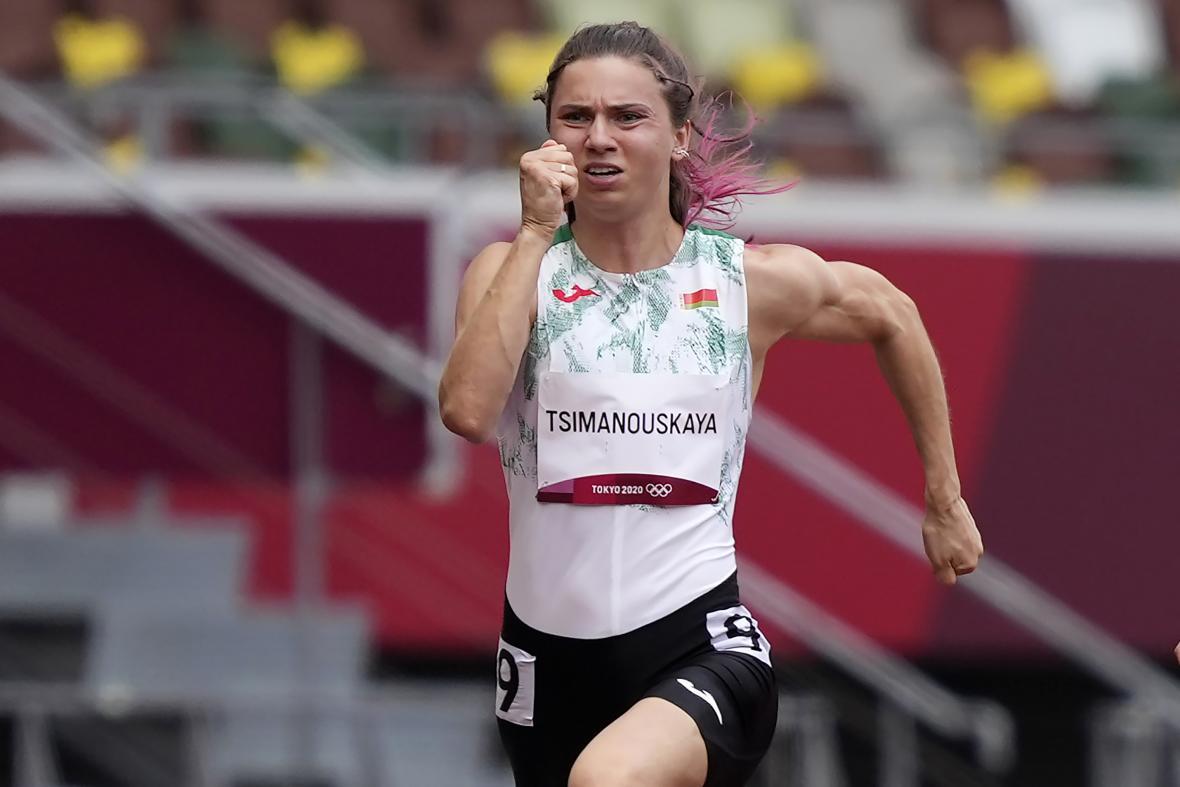 Cimanouská při rozběhu ve sprintu na 100 metrů v Tokiu