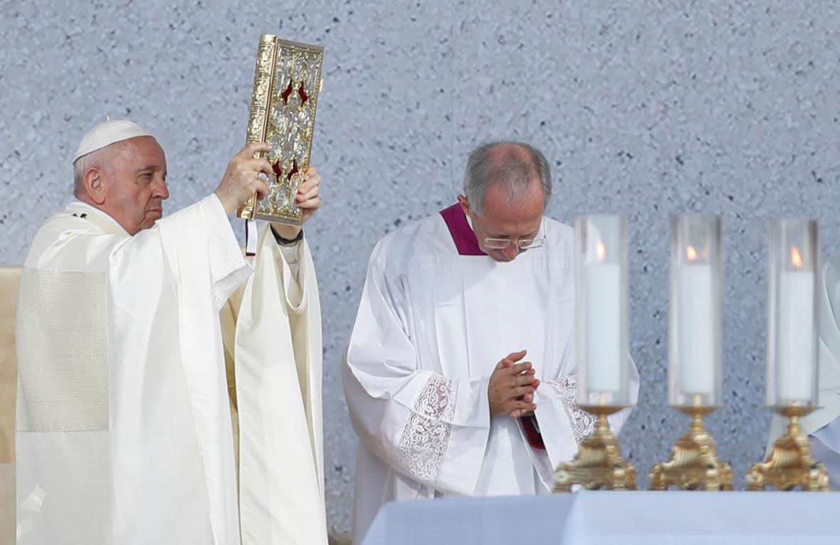 František během mše svaté v Šaštíně