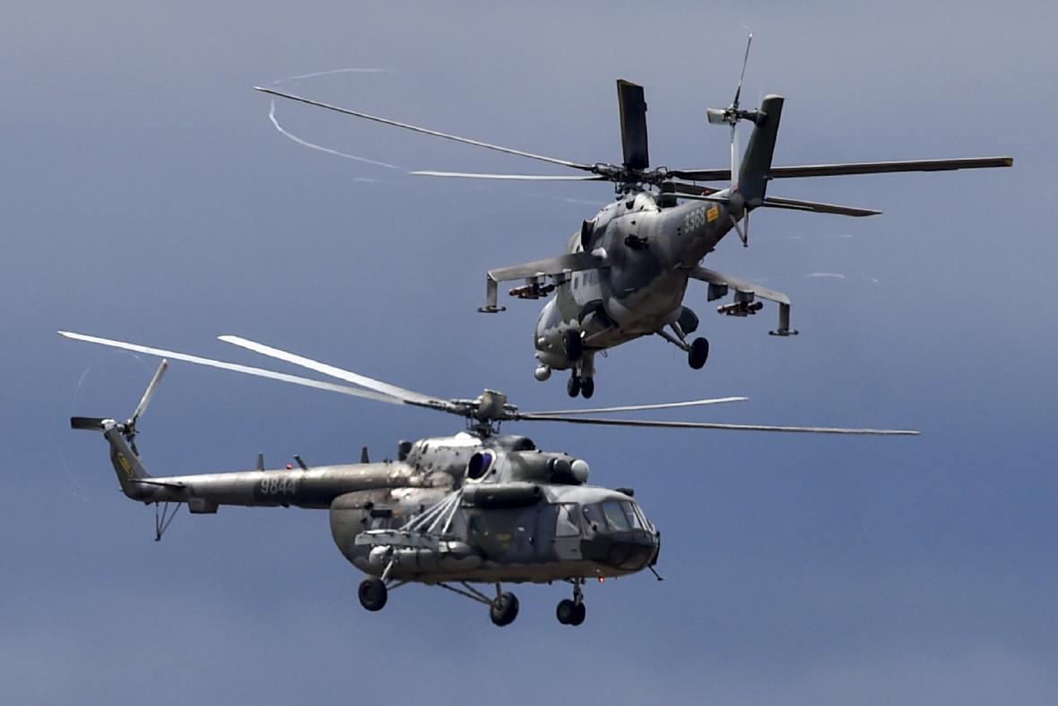 Vrtulníky Mi-24/35 (vpravo) a Mi-171š (vlevo)