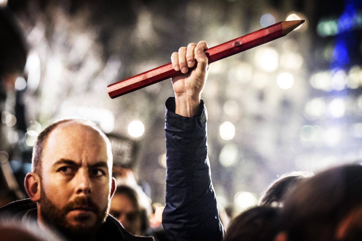 Demonstrace na počest obětem útoku na Charlie Hebdo