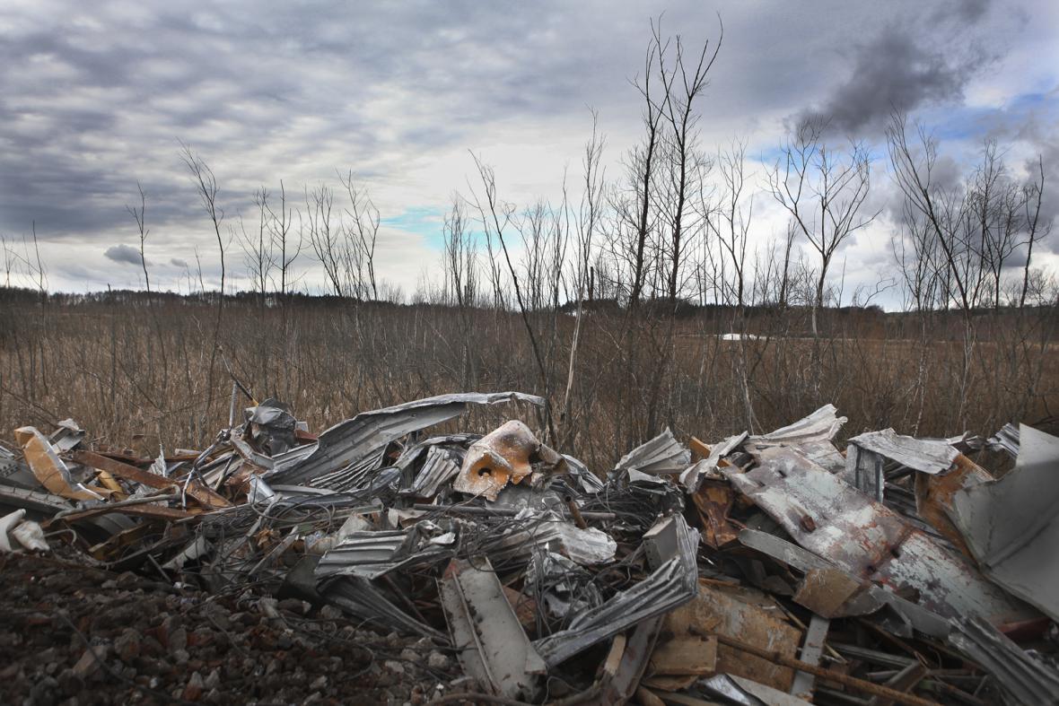 Odkaliště pro kontaminovaný odpad z areálu hlubinné těžby uranu ve Stráži pod Ralskem