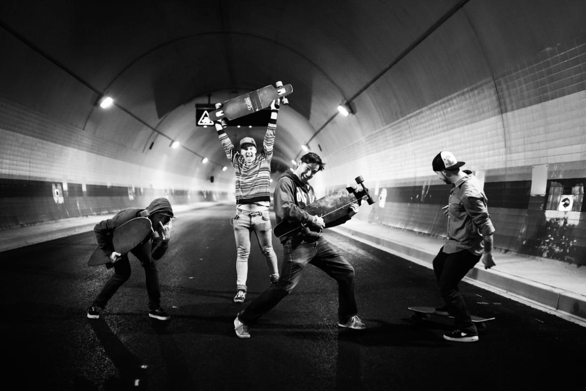Noční jízdy na skateboardu tunelem Blanka (návštěvnický den)