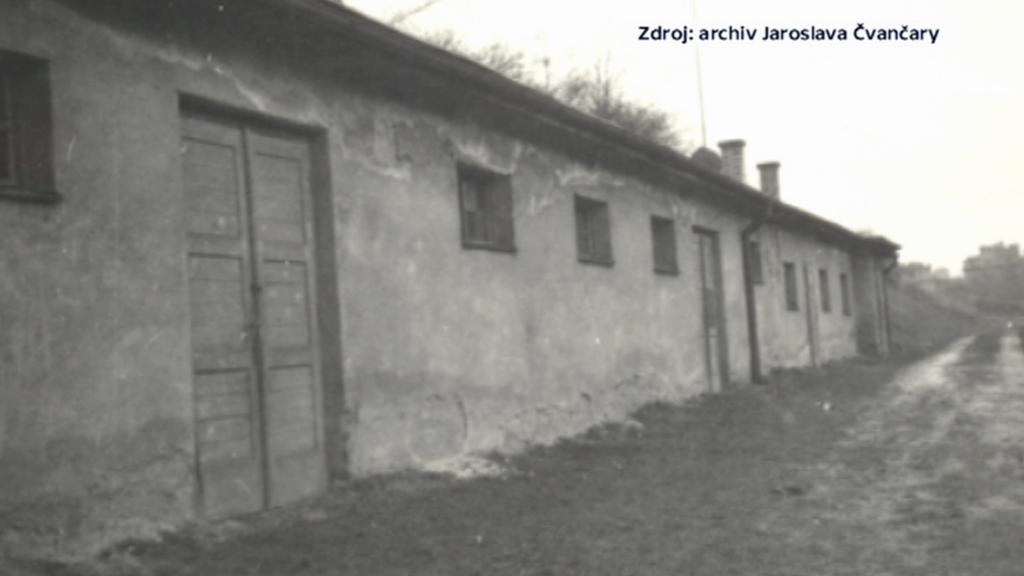 Z této budovy byli odbojáři odváděni na popravu