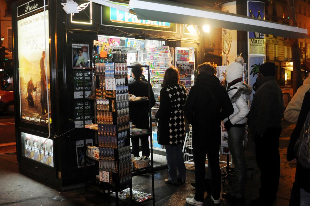 Fronta do trafiky na nové Charlie Hebdo