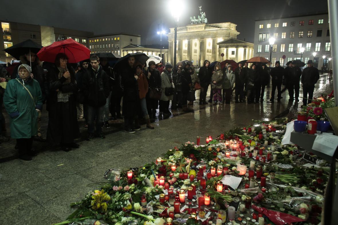 Pieta za Charlie Hebdo v Berlíně